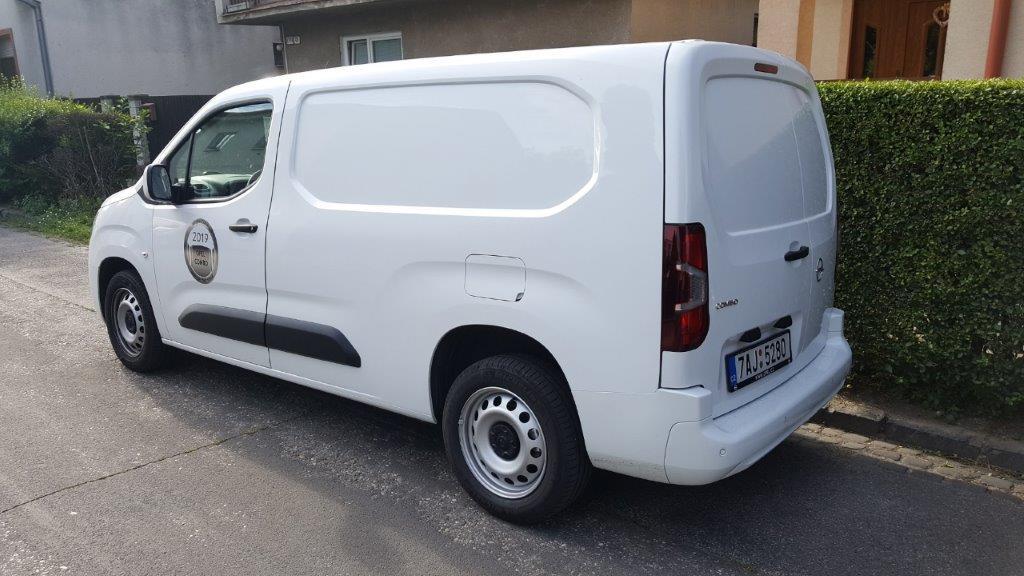Opel Combo Van pohľad zozadu