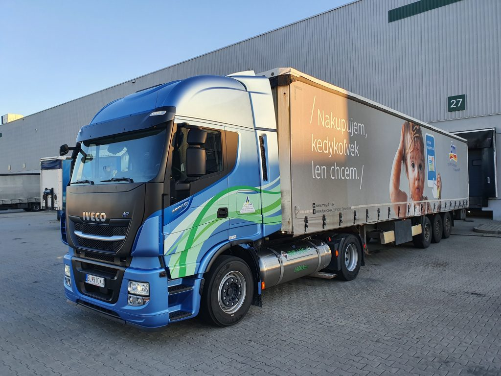 Ťahač IVECO Stralis NP spoločnosti CSAD Invest Logistics